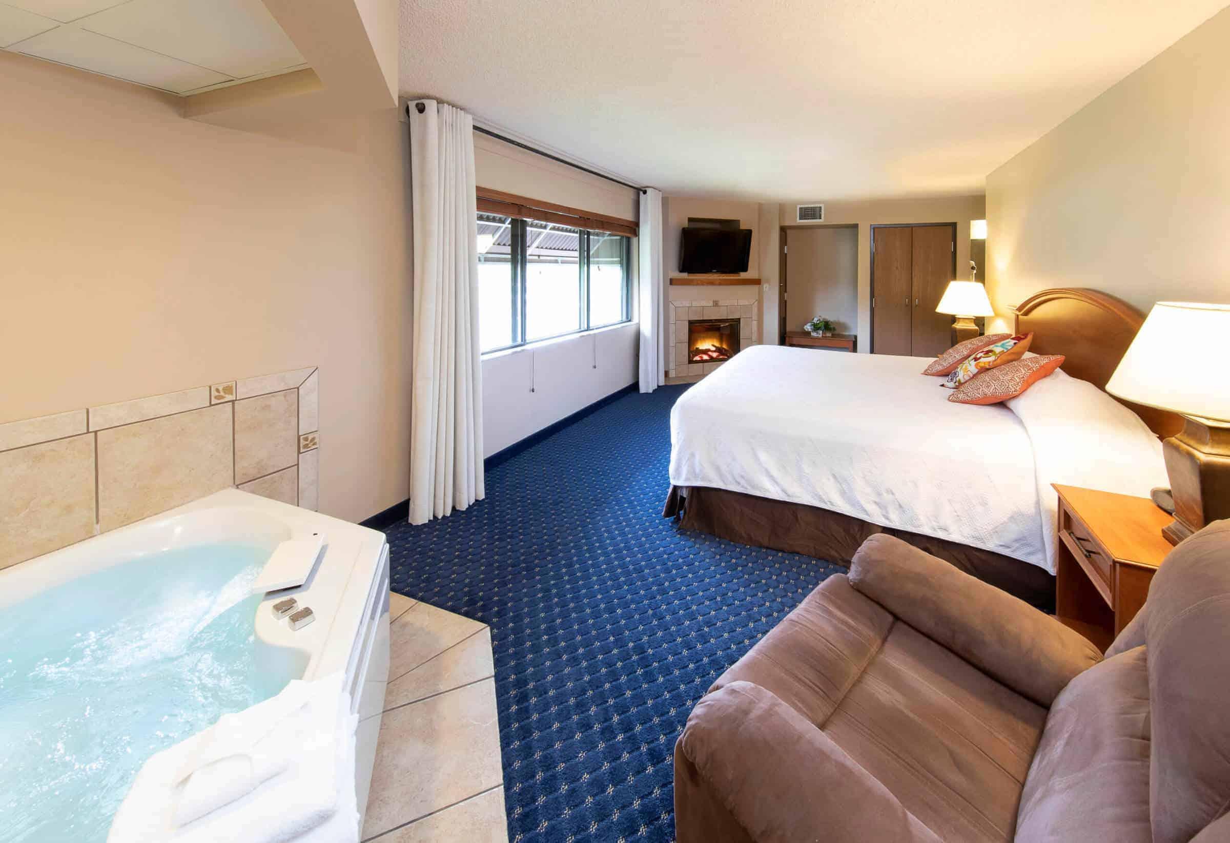 king whirlpool room at hotel glenwood springs in glenwood springs colorado